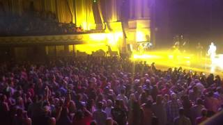 "Chase Rice ""How She Rolls"" (Live)"