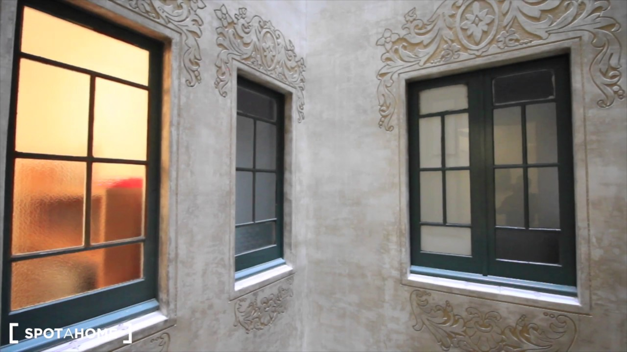 Rooms for rent in 3-bedroom apartment in Eixample Dreta