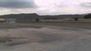 preview picture of video 'Vol d'un entrenador militar Yak-52 rus a Igualada Odena per en Viper el 17/04/2012'