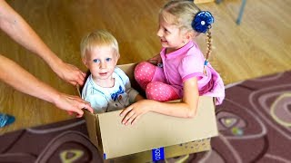 ДОМАШНЯЯ ЖИЗНЬ FFGTV Что мы Делаем дома? Кто быстрее встает и Развлекательный большой влог для детей