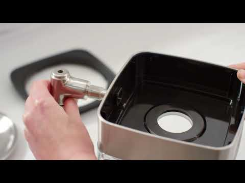 How to Clean the Cold Brew Coffee Maker