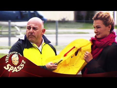 Franziska van Almsick und der Schwimmwesten-Test | Verstehen Sie Spaß?
