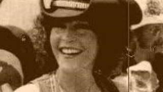 "Donna Fargo- ""Puffy Eyes"""