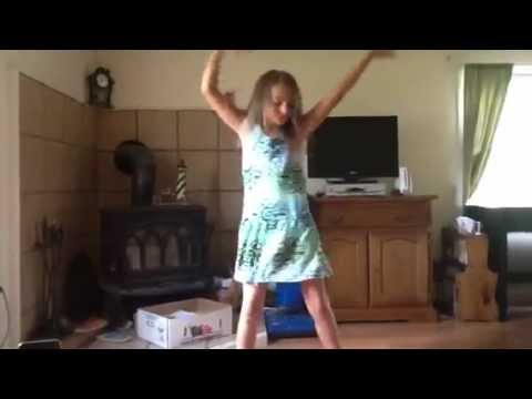 10 year old dancing to jennifer lopez papi