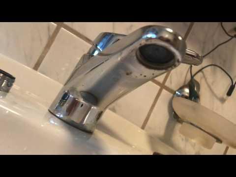 Strahlregler am Wasserhahn ersetzen Perlator wechseln an Mischbatterie Wasser sparen Anleitung