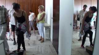 preview picture of video 'Villa Tugendhat: Shoe Protection Machine'