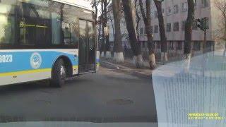 Алматы, 10.03.2016; троллейбус 9 маршрута №3023 может всё!