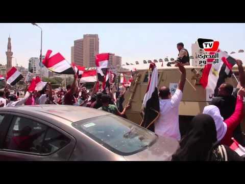 احتفالات قناة السويس الجديدة| الجيش يحتفل مع المواطنين بـ«التحرير»