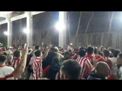 """PREVIA DE LOS LEALES - No soy de boca, no soy de river (video de Iván Sixto)"" Barra: Los Leales • Club: Estudiantes de La Plata • País: Argentina"