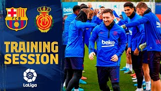 See how the team congratulated Messi for his Ballon d