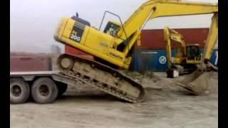 Amazing Way To Load Komatsu PC200 Excavator