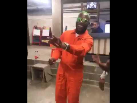 OhMonDieuSalva danse avec Gradur sur 'Sheguey 12' sur Coach Fitness