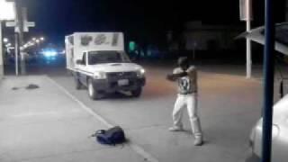 Panchito bailando afuera de la tienda 2.3gp