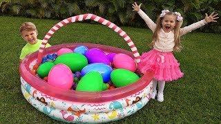 Diana y los Huevos Gigantes de Juguete con Sorpresas