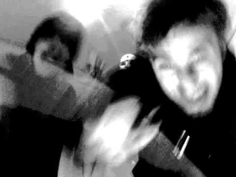 Shush - hosting D-2MUCH - Adventní (videoklip)