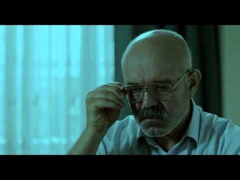 Je ne suis pas lui (Ben O Değilim) de Tayfun Pirselimofilu - bande-annonce