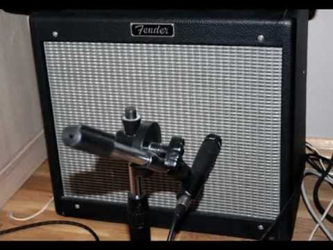 Dr. Barlo on a country backtrack with Fender Blues Jr.