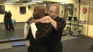 How to get out of a Choke Hold ! Street fighting