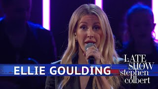 Ellie Goulding Performs 'Close To Me'