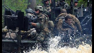 海豹突击队营救人质,每分钟1000发的加特林火力全开,打的敌人根本抬不起头