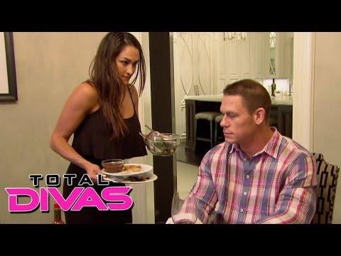 Nikki Bella prepares dinner for John Cena: Total Divas, December 1, 2013