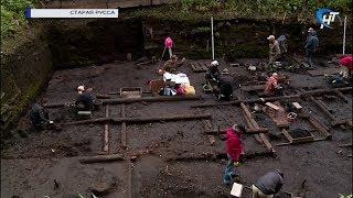 В Старой Руссе открылась вторая смена Летней археологической школы