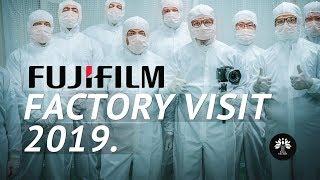 Vorresti vedere dove nasce una Fujifilm? In questo video un tour nella fabbrica di fotocamere e lent
