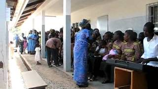 preview picture of video 'Culte de Pâques 2010 - paroisse de l'Hôpital - Ngaoundéré - Cameroun'
