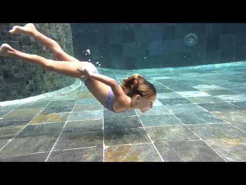 Carla Underwater 2