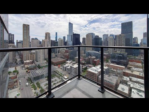 A River North skyline-view 08-tier 1-bedroom at Gallery on Wells