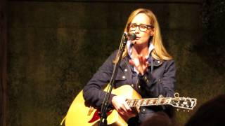 Chely Wright Single White Female with a Lyric change towards the End