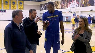 Kevin Durant accepts his Murph & Mackie Player of the Year Award