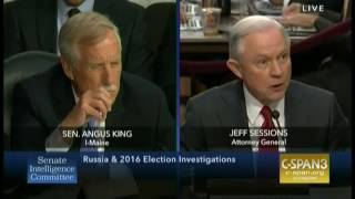 """Attorney General Jeff Sessions pressed again on """"executive privilege"""" by Sen. Angus King (I-ME)"""