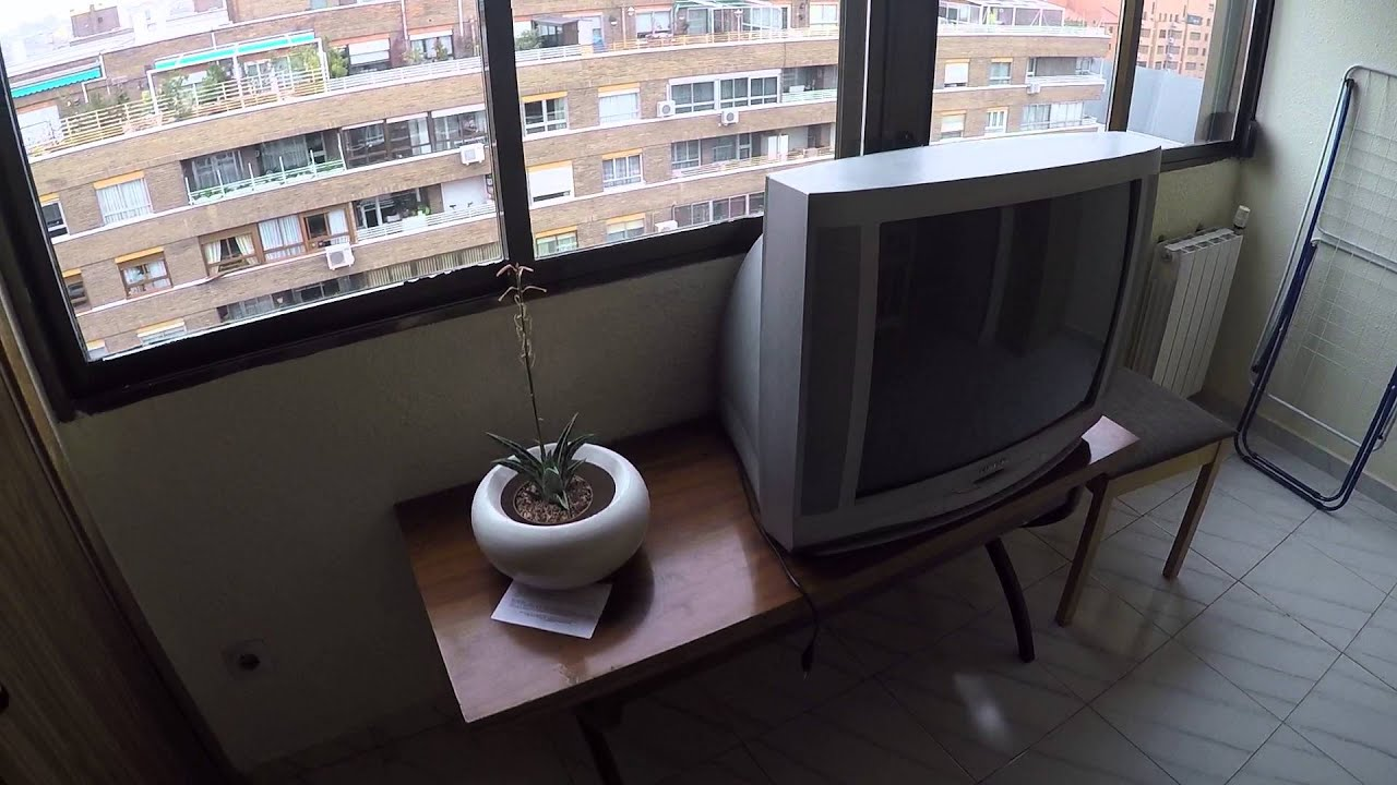 Equipped room with desk in shared apartment, Acacias