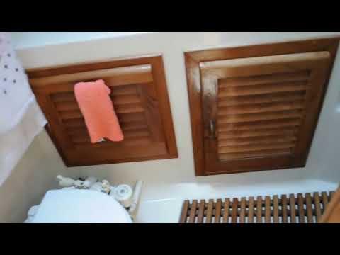 Mainship 40 Nantucket (Double Cabin) video