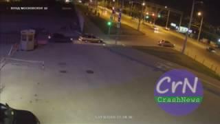 https://crashnews.org   Момент ДТП с участием байкера и Опеля Вектры в Самаре
