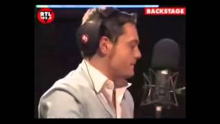 Gambar cover Tiziano Ferro sings Human by The Killers