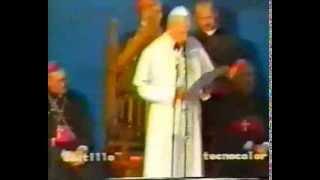 preview picture of video 'Papa Giovanni Paolo II - 25 Maggio 1987 - Ascoli Satriano'