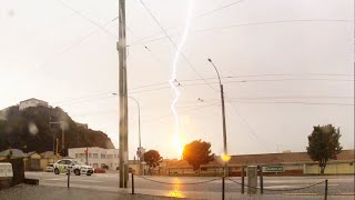 preview picture of video 'Lightning Strikes Wellington Zephyrometer! (original)'