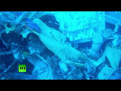 RAW: Divers Search Wreckage Of Indonesia Lion Air Plane Crash Underwater