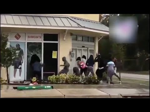 Hurricane Irma Looters Caught On Camera By Local News In Florida | What's Trending Now!