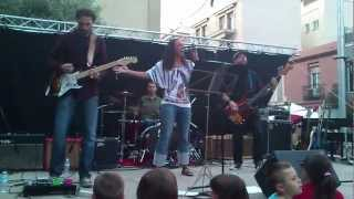 preview picture of video 'Festa major Montcada i Reixac 2012; Black Cotton; Waiting.mp4'
