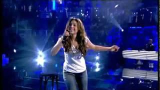 Thalia - Equivocada Live Mira que baila 14 Abril 2010