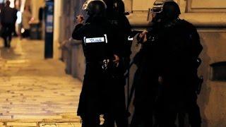 20.04.17 Теракт в Центре Парижа на Елисейских полях, Полицейский убит, Двое раненых,накануне выборов
