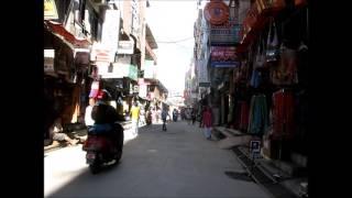 2014-10-17 A walk in Kathmandu