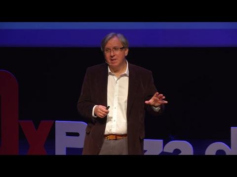 Ingeniería y tecnología con un fin social | Juan Carlos López | TEDxPlazadelAltozano