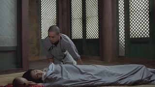 【宇哥】6分钟看完8.5高分电影:小庙里来了位漂亮的女施主,从没见过妹子的小和尚不老实了