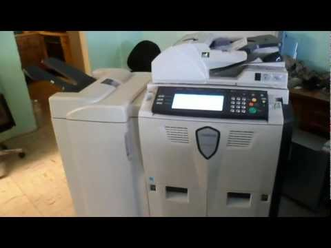 KYOCERA KM-8030 Copiadora con Terminadora En Venta