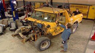 Stripping Down A 1979 Ford Bronco - Trucks! S9, E4