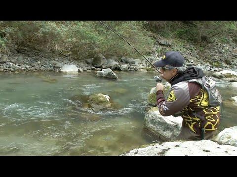Il vestirsi superiore cinese per pesca